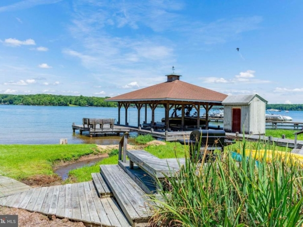 Louisa Virginia historic homes for sale 31