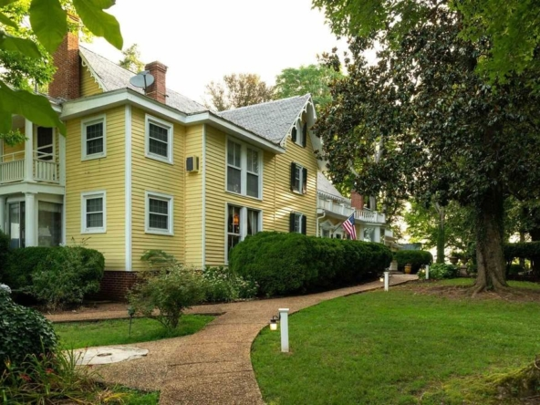 Louisa Virginia historic homes for sale 7
